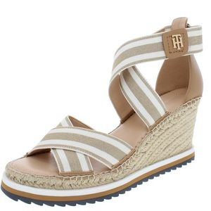 Tommy Hilfiger twyesia tan gold & white wedge 11